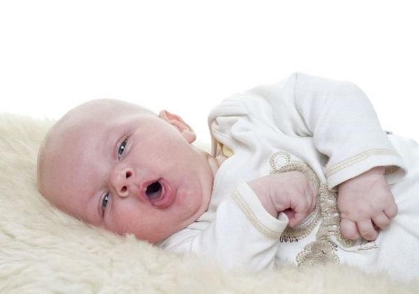 Cơn tím do thiếu oxy ở trẻ nhỏ là gì và cách điều trị