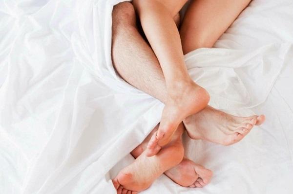 Làm gì sau khi quan hệ với người nhiễm HIV? Hoặc nghi ngờ đối phương bị nhiễm HIV?